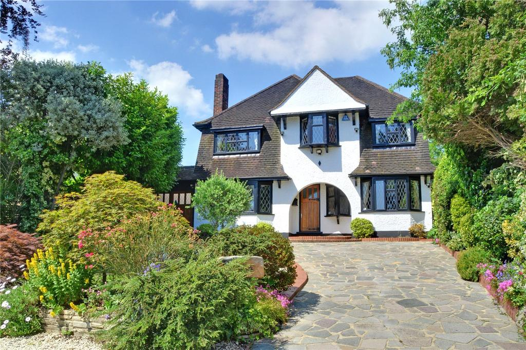 5 Bedrooms Detached House for sale in Yester Park, Chislehurst, BR7