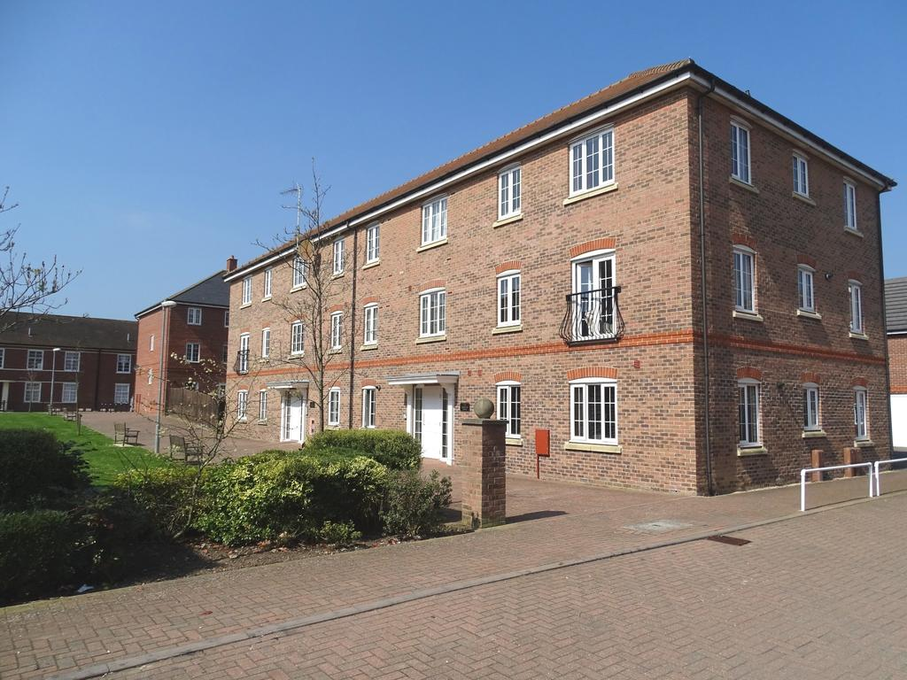 2 Bedrooms Ground Flat for sale in The Boulevard, Tangmere