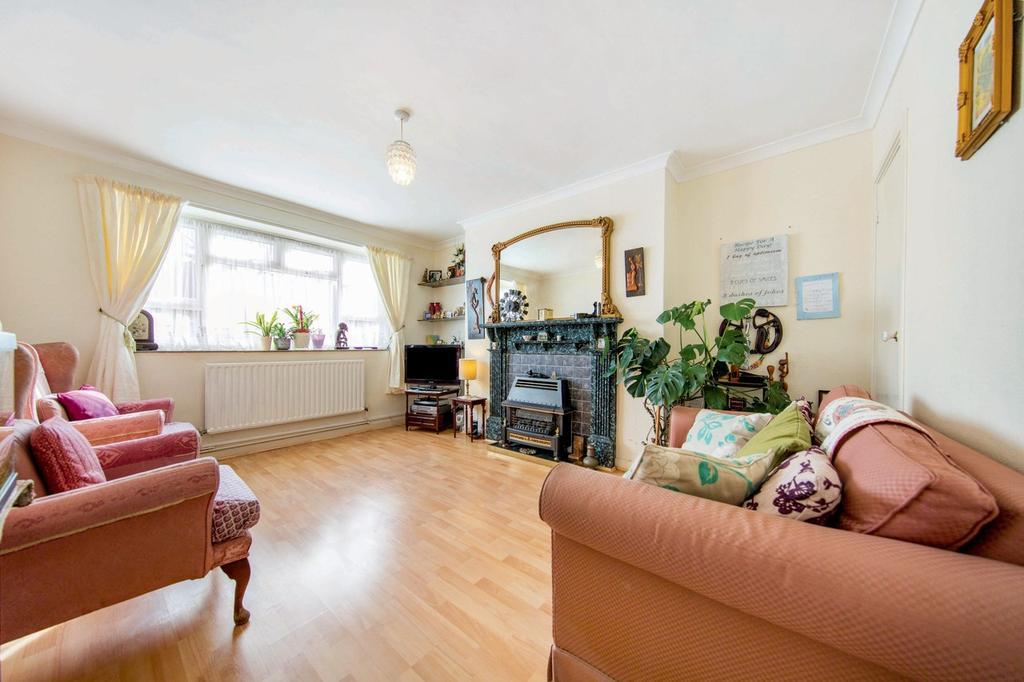 2 Bedrooms Flat for sale in Barrow Road, SW16