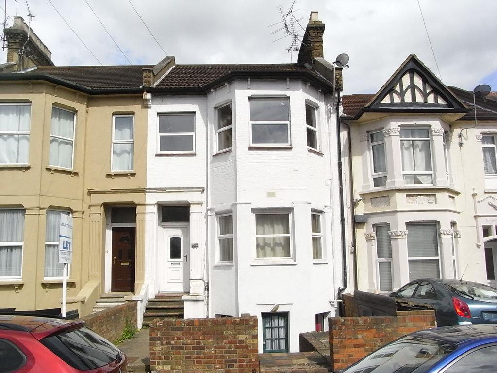 1 Bedroom Flat for sale in 130B Southchurch Avenue, Southend on Sea SS1 2RP