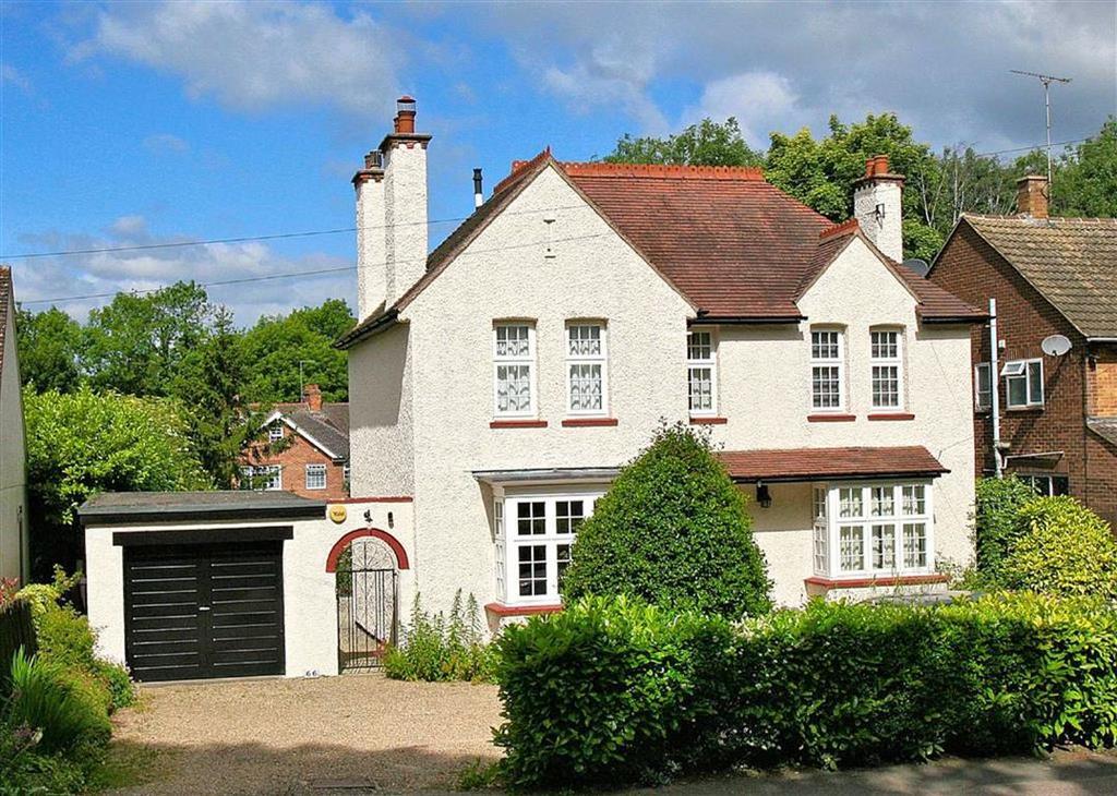 4 Bedrooms Detached House for sale in London Road, Knebworth, SG3 6HB