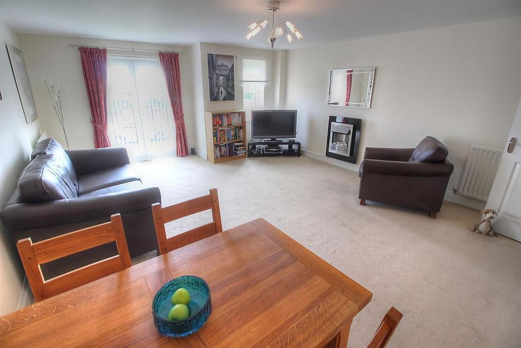 2 Bedrooms Flat for sale in The Willows, Gateshead, Gateshead