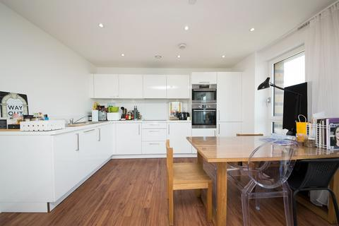 3 bedroom flat to rent - Ivy Point, Hannaford Walk, BOW E3