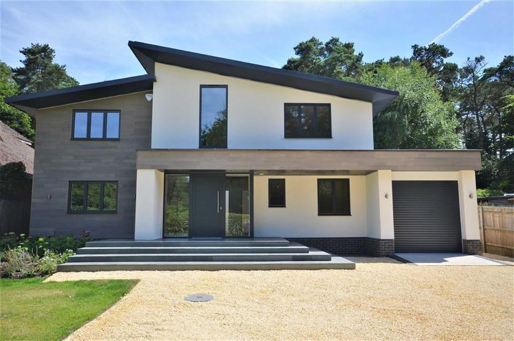 4 Bedrooms Detached House for sale in Lodge Hill Road, Lower Bourne, Farnham