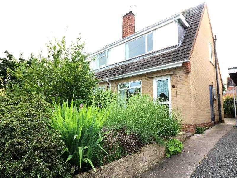 3 Bedrooms Semi Detached House for sale in Cherry Orchard, Pershore WR10