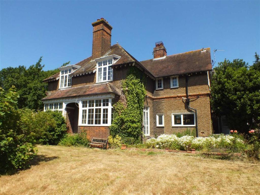 5 Bedrooms Detached House for sale in Canterbury Road, Folkestone, Kent, CT19