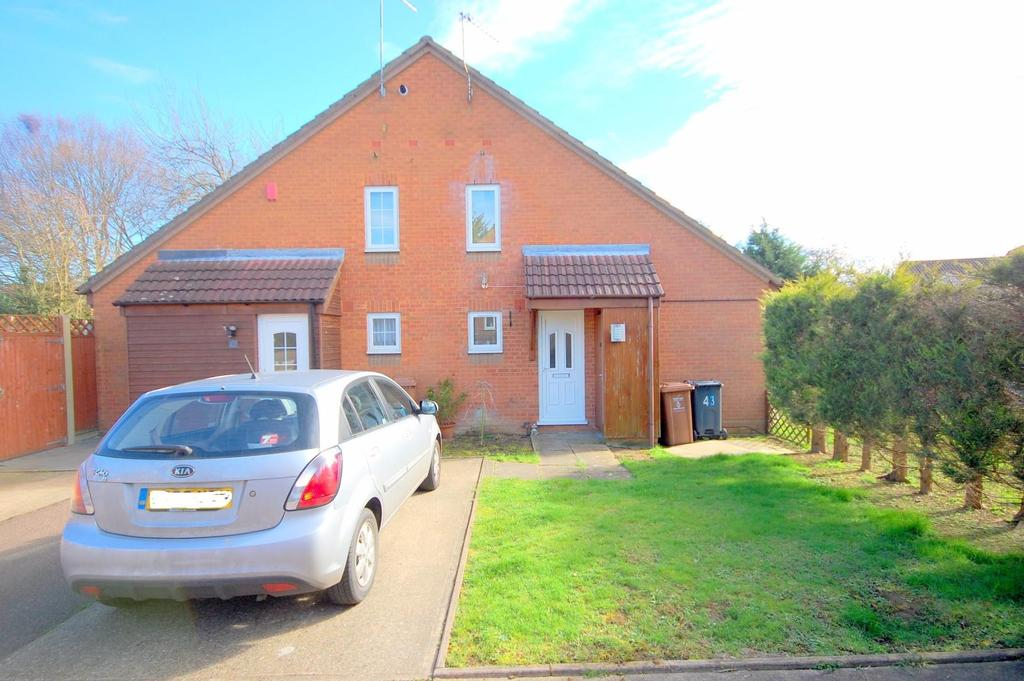 1 Bedroom Terraced House for sale in Montfitchet Walk, Stevenage
