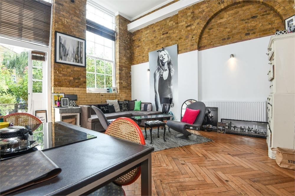 2 Bedrooms Flat for sale in The School House, Pages Walk, London Bridge, SE1