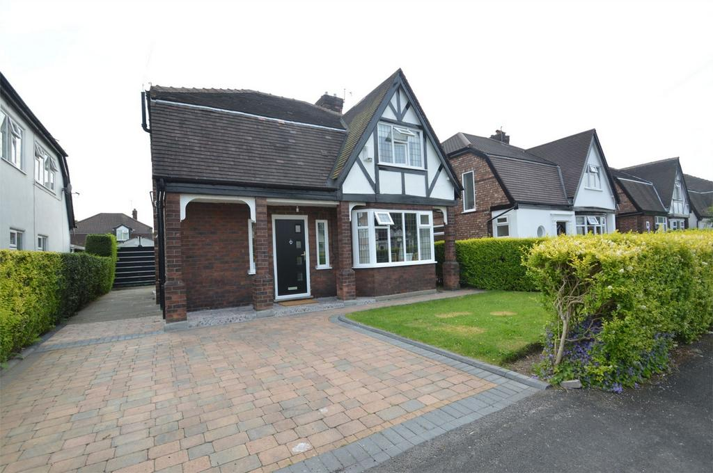 3 Bedrooms Detached House for sale in Kirkby Avenue, SALE, Cheshire