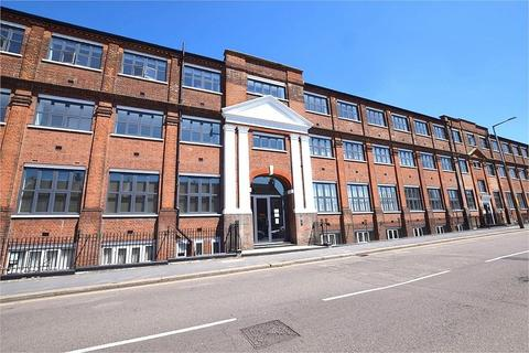 2 bedroom flat to rent - Rembrandt House, Whippendell Road, WATFORD, Hertfordshire