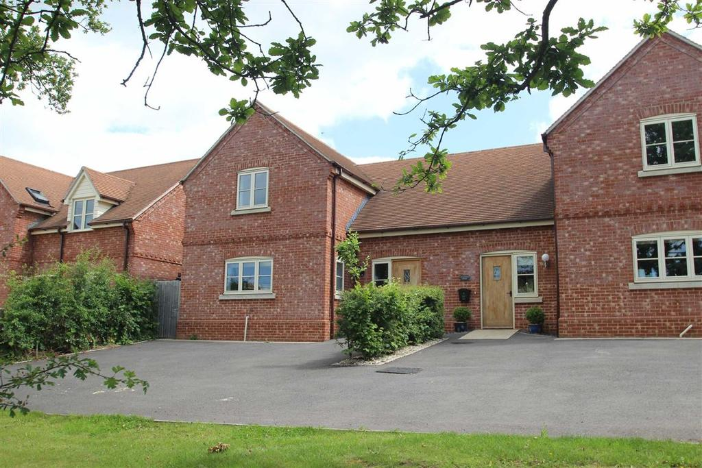 3 Bedrooms Semi Detached House for sale in Monks Walk Orchard, Much Marcle