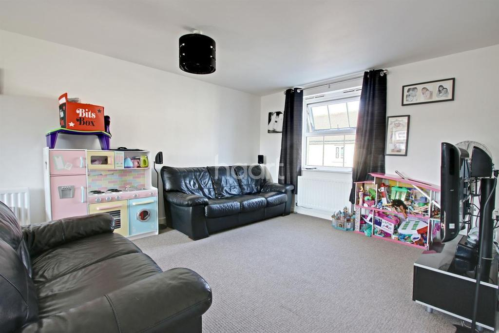 2 Bedrooms Flat for sale in ( ... )
