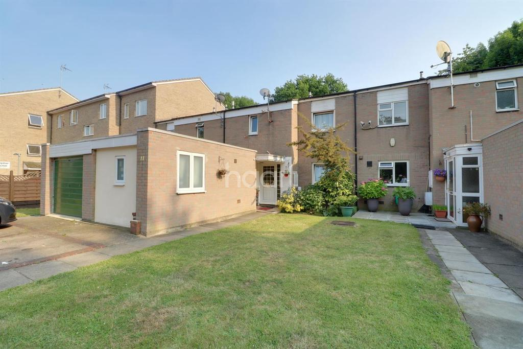 3 Bedrooms Terraced House for sale in Pocklington Close, London NW9