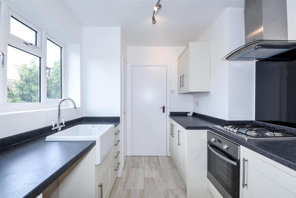 2 Bedrooms Flat for sale in Church Walk, Barnes, SW13