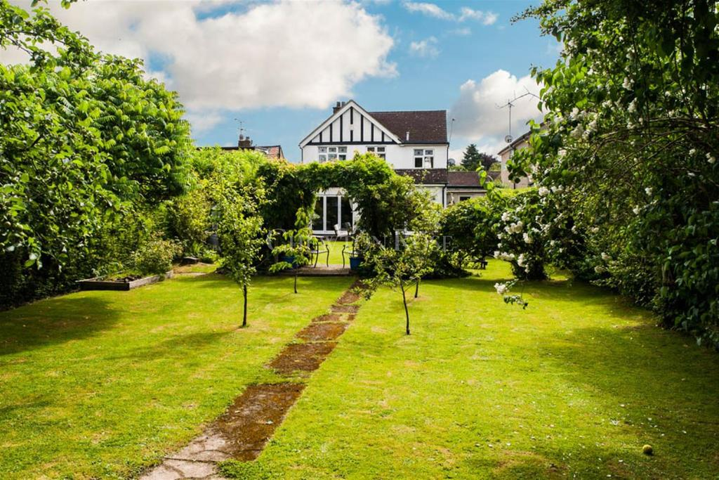 3 Bedrooms Detached House for sale in Denham, Buckinghamshire