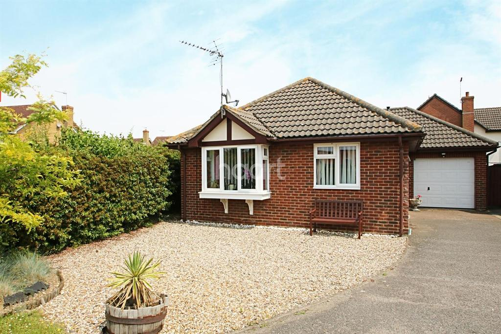 3 Bedrooms Bungalow for sale in Cranwell