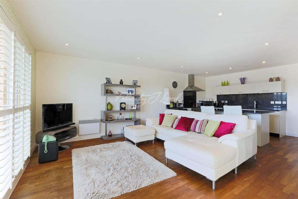 2 Bedrooms Flat for sale in Island House, E3