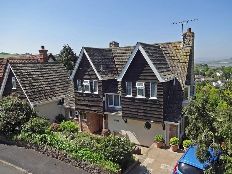 4 Bedrooms Detached House for sale in Larks Close, Shaldon, Teignmouth