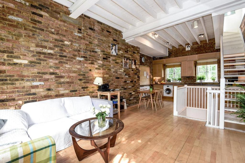 2 Bedrooms Terraced House for sale in Marlborough Yard, Upper Holloway, N19