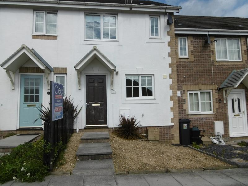 2 Bedrooms Terraced House for sale in Derlwyn, Waunceirch, Waunceirch, Neath Port Talbot.