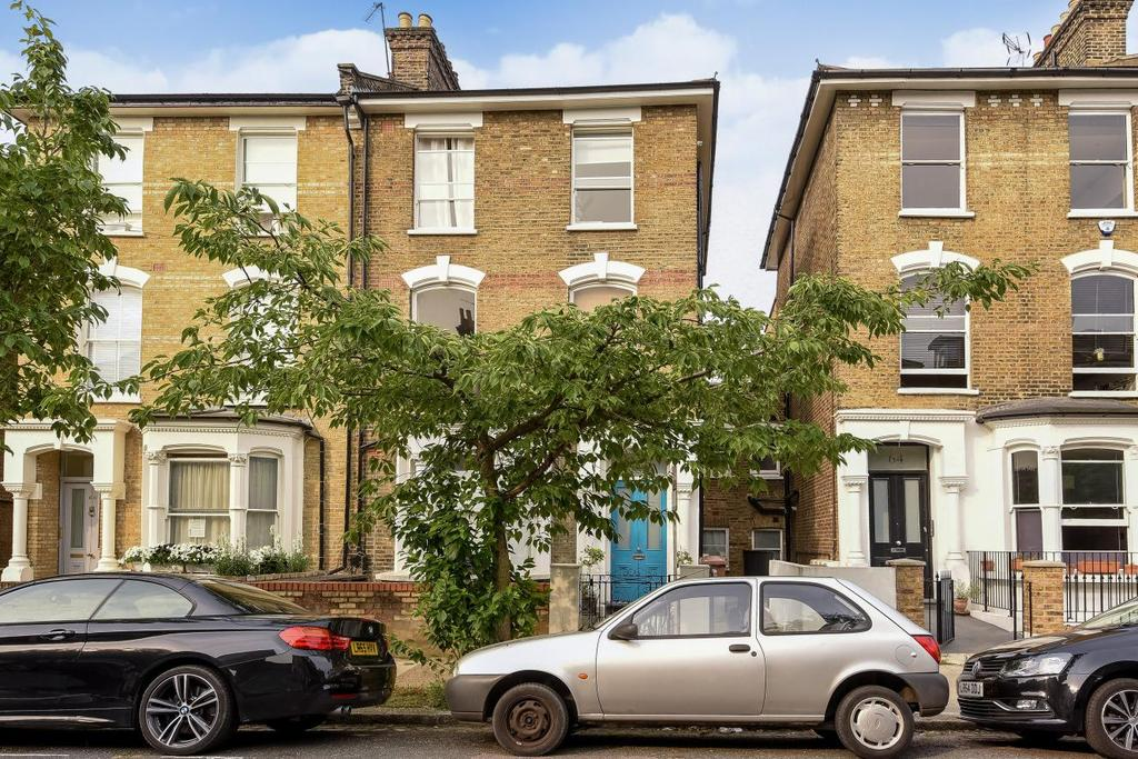 3 Bedrooms Flat for sale in Wilberforce Road, Finsbury Park