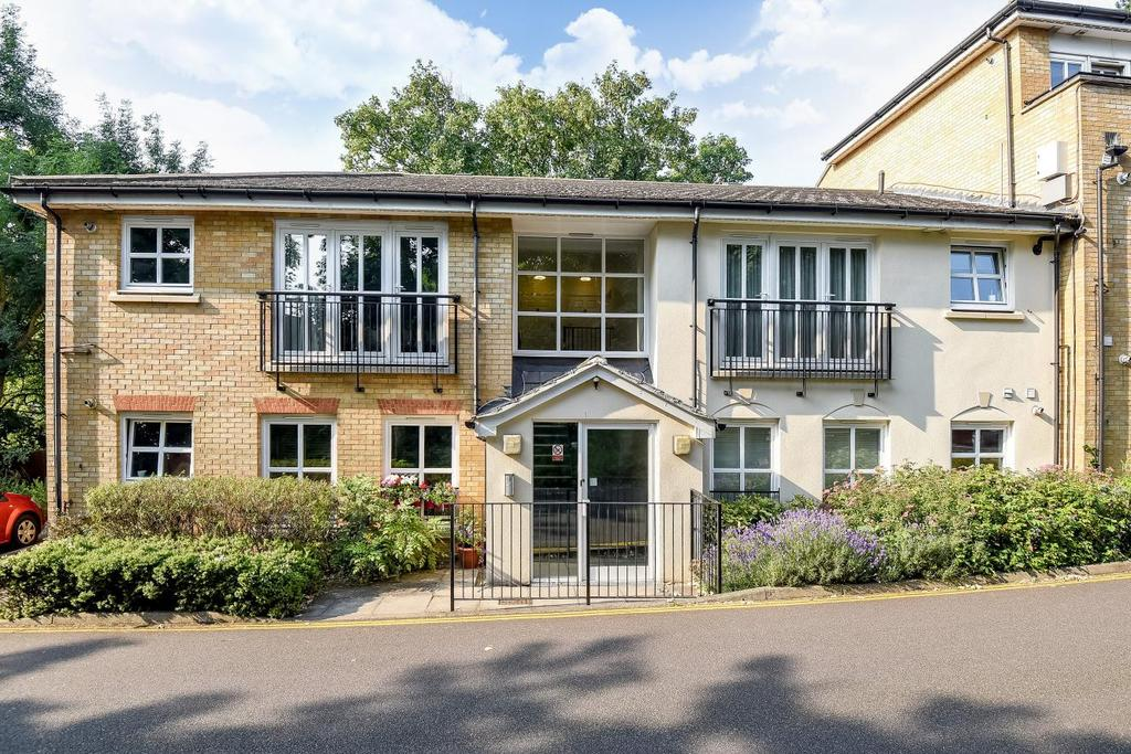 2 Bedrooms Flat for sale in Glenmere Row, Lee, SE12
