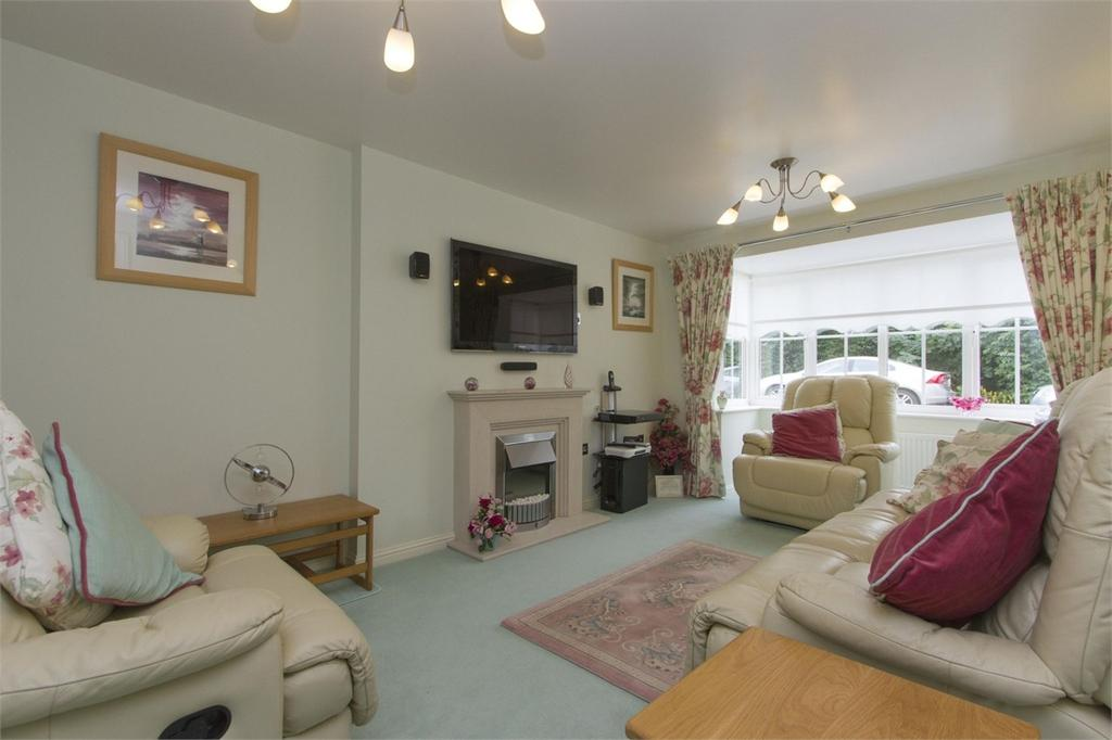 4 Bedrooms Detached House for sale in Byron Avenue, Dereham, Norfolk