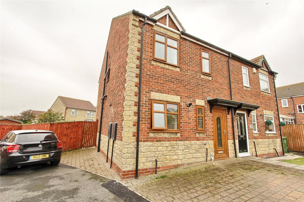 3 Bedrooms Semi Detached House for sale in Intrepid Close, Seaton Carew