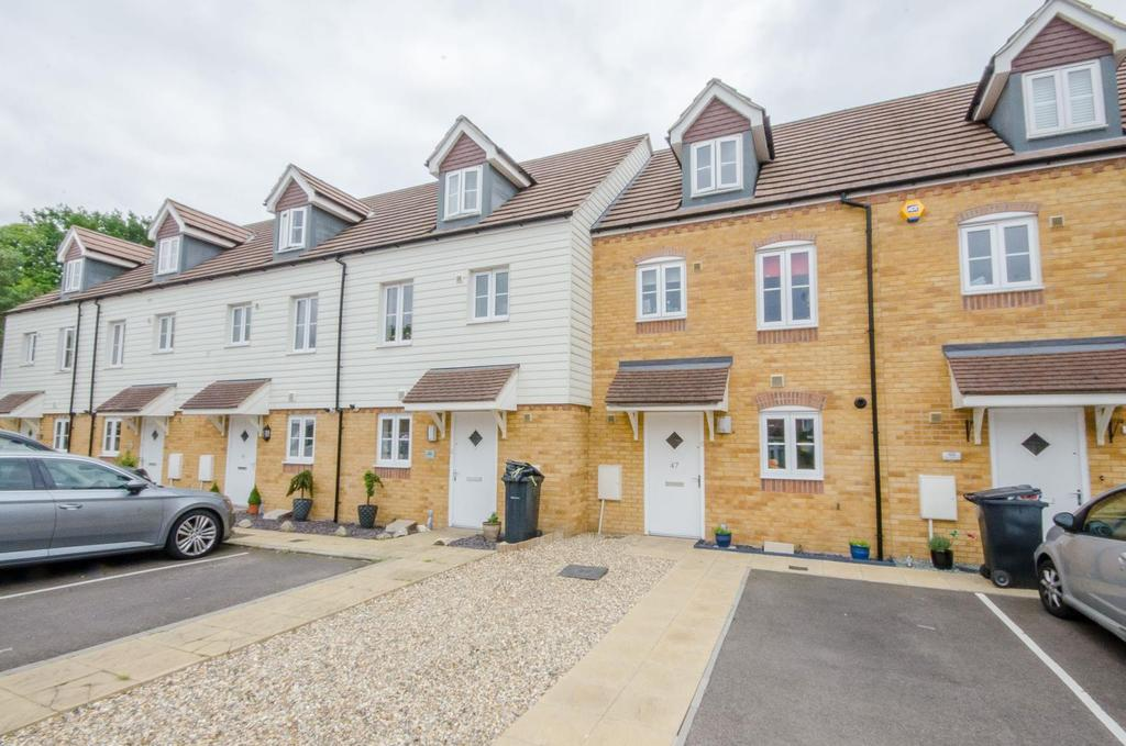 3 Bedrooms Terraced House for sale in The Farrows, Maidstone, Kent