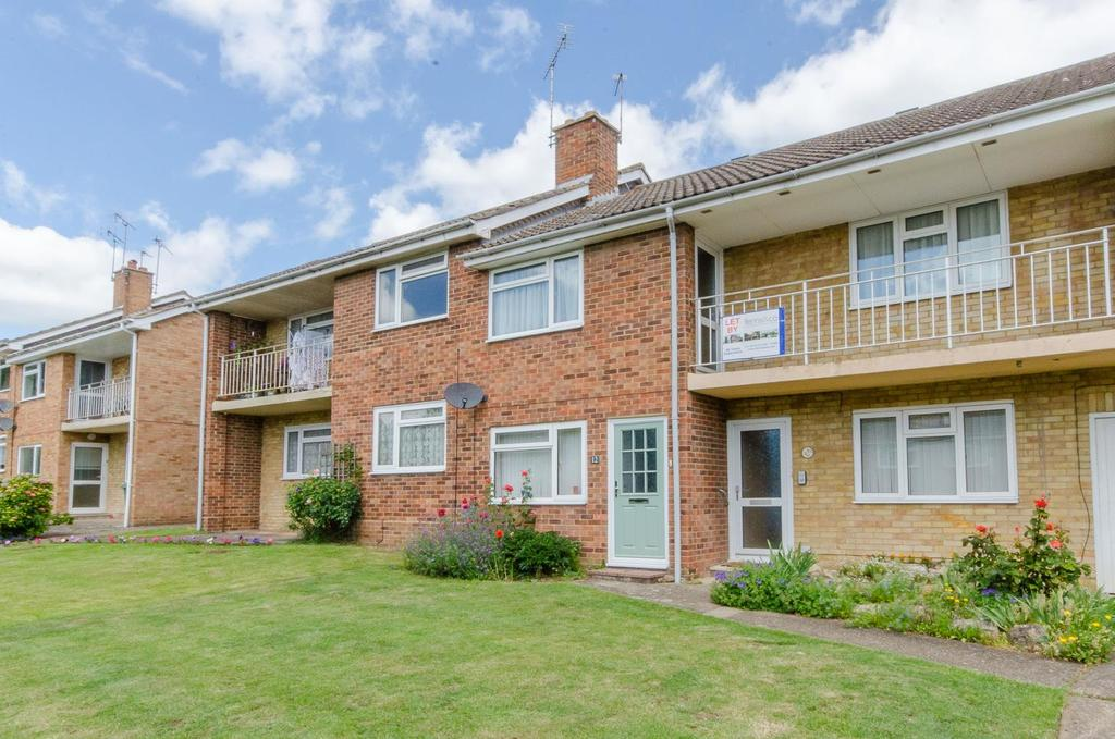 2 Bedrooms Ground Flat for sale in Birchington Close, Maidstone, Kent