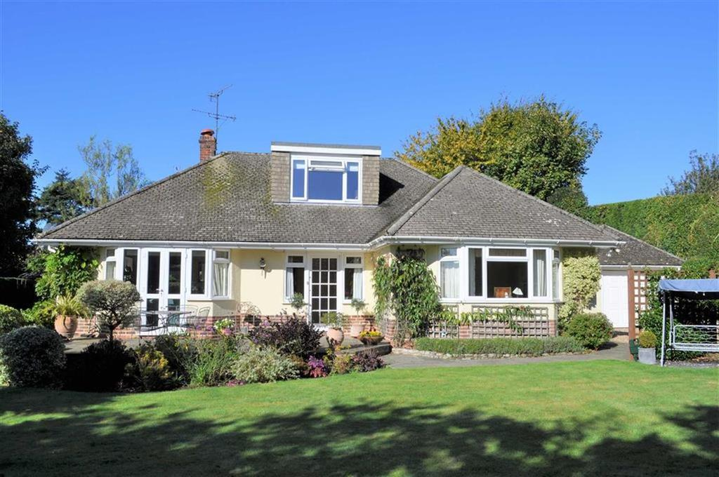4 Bedrooms Chalet House for sale in Ball And Wicket Lane, Farnham, Surrey