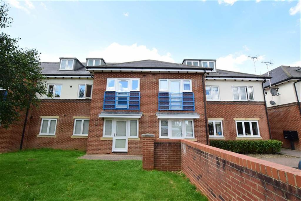 2 Bedrooms Apartment Flat for sale in Marshland Square, Emmer Green, Reading