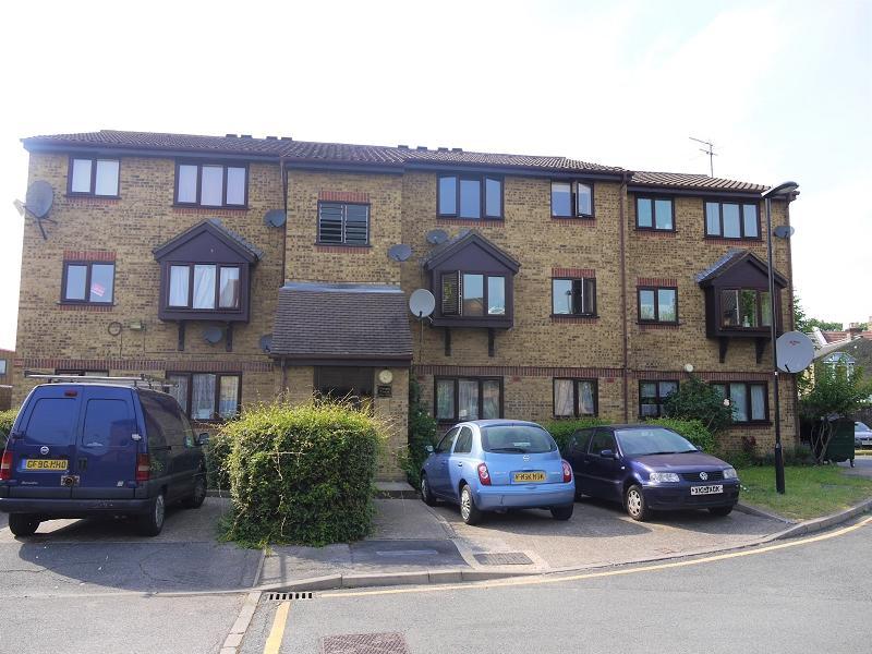 Studio Flat for sale in Brockway Close, London, Leytonstone. E11 4TE