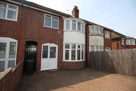 3 bedroom townhouse for sale - Lymington Road, Leicester, LE5