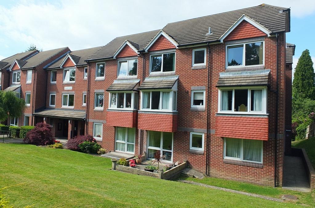 1 Bedroom Retirement Property for sale in Heath Road, Haywards Heath, RH16