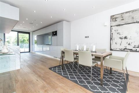 2 bedroom flat for sale - Eden Lodges, Chigwell, Essex, IG7