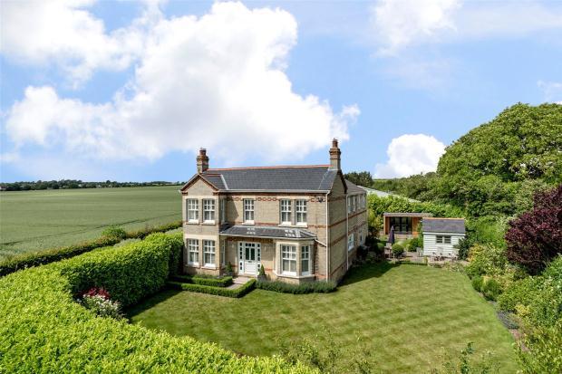 4 Bedrooms Detached House for sale in Barton Road, Comberton, Cambridgeshire
