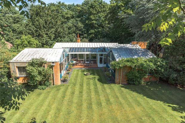 5 Bedrooms Detached Bungalow for sale in Herschel Road, Newnham, Cambridge
