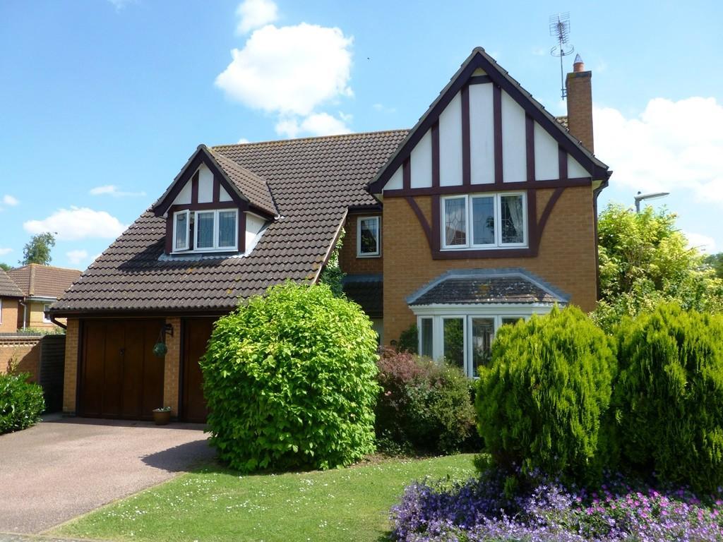 4 Bedrooms Detached House for sale in Belle Baulk, Towcester