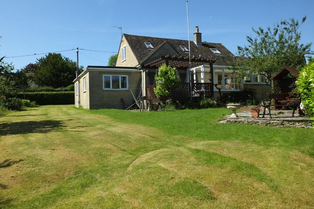 4 Bedrooms Detached Bungalow for sale in Chedworth