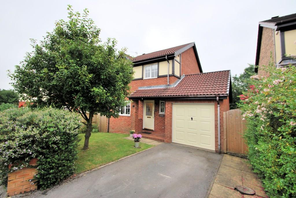 3 Bedrooms Detached House for sale in Briar Grove, Penistone, Sheffield