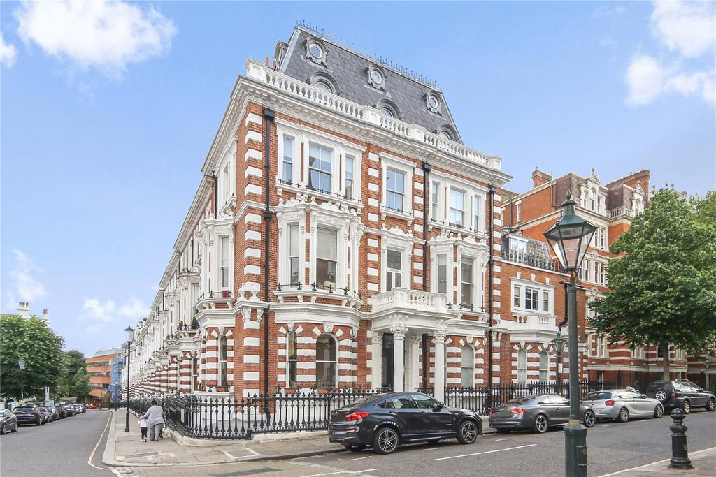 3 Bedrooms Flat for sale in 13 Observatory Gardens, London, W8