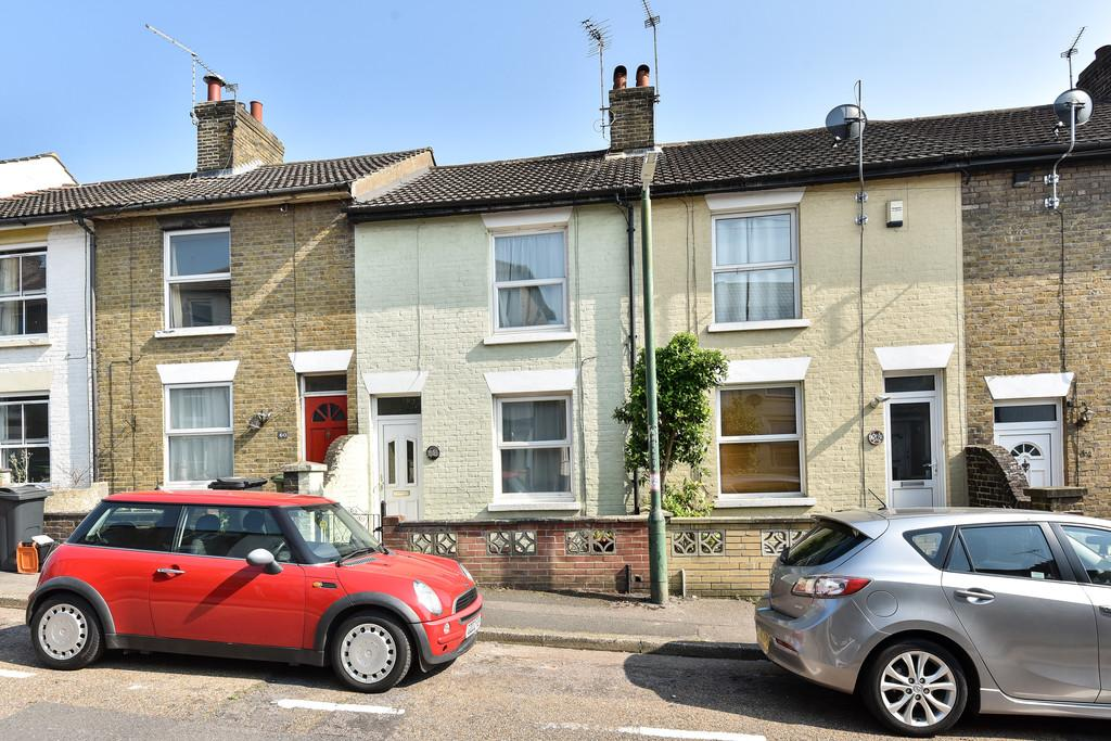 2 Bedrooms Terraced House for sale in Perryfield Street, Maidstone