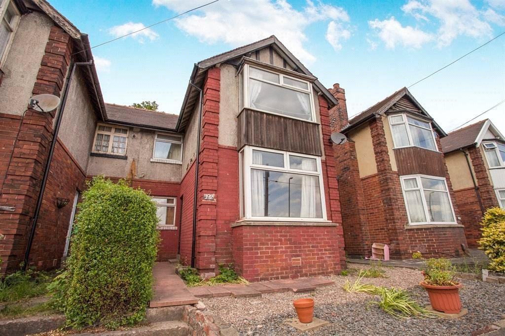 3 Bedrooms Semi Detached House for sale in Huddersfield Road, Dewsbury, West Yorkshire