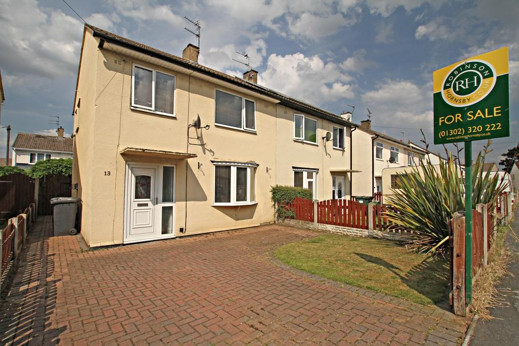 3 Bedrooms Semi Detached House for sale in Tennyson Avenue, Armthorpe