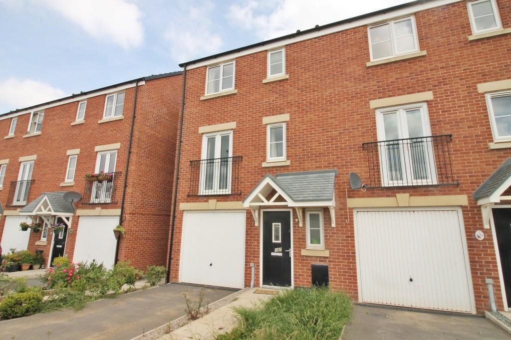 4 Bedrooms Town House for sale in Glaramara Drive, Carlisle