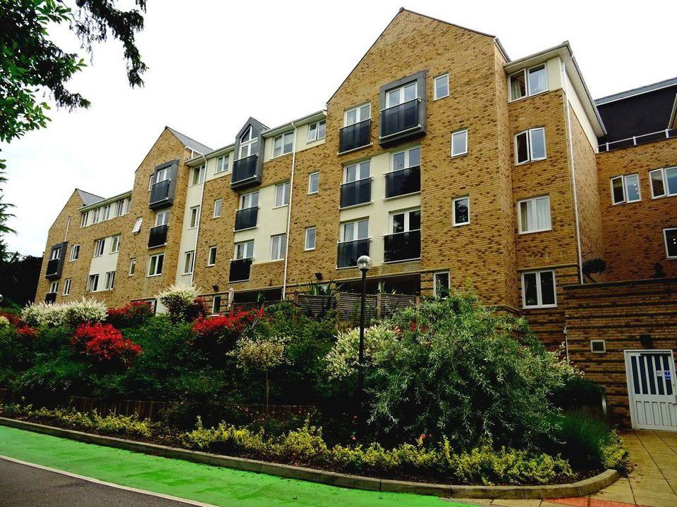 1 Bedroom Retirement Property for sale in Apt 28 Windsor House, 900 Abbeydale Road, Sheffield, S7 2BN