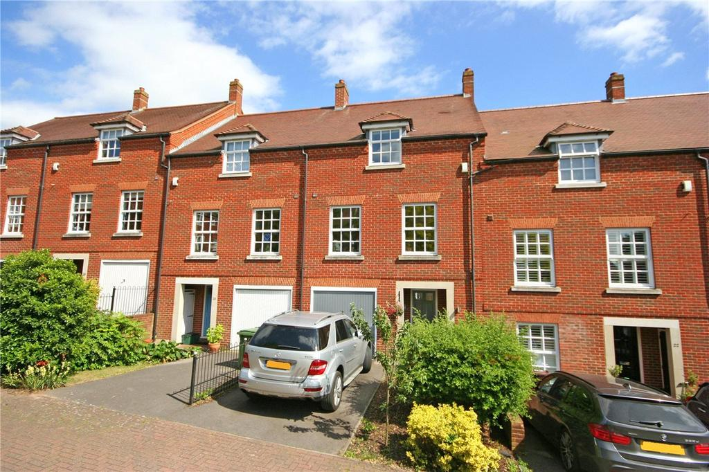 4 Bedrooms Terraced House for rent in Newmarket Court, St. Albans, Hertfordshire