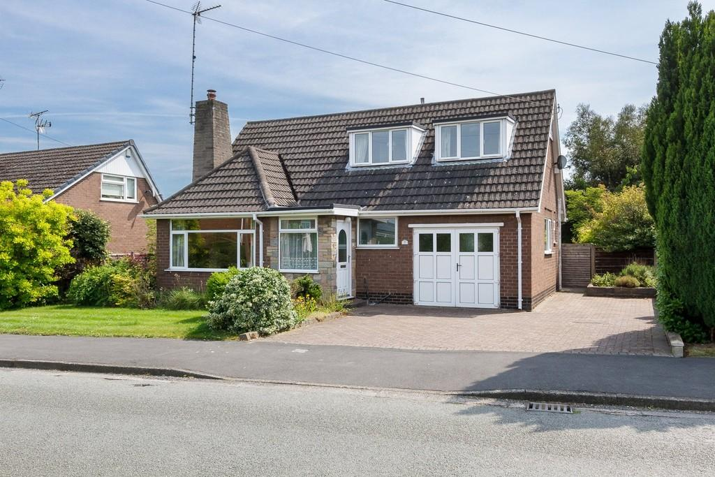 3 Bedrooms Detached Bungalow for sale in Wistaston, Cheshire