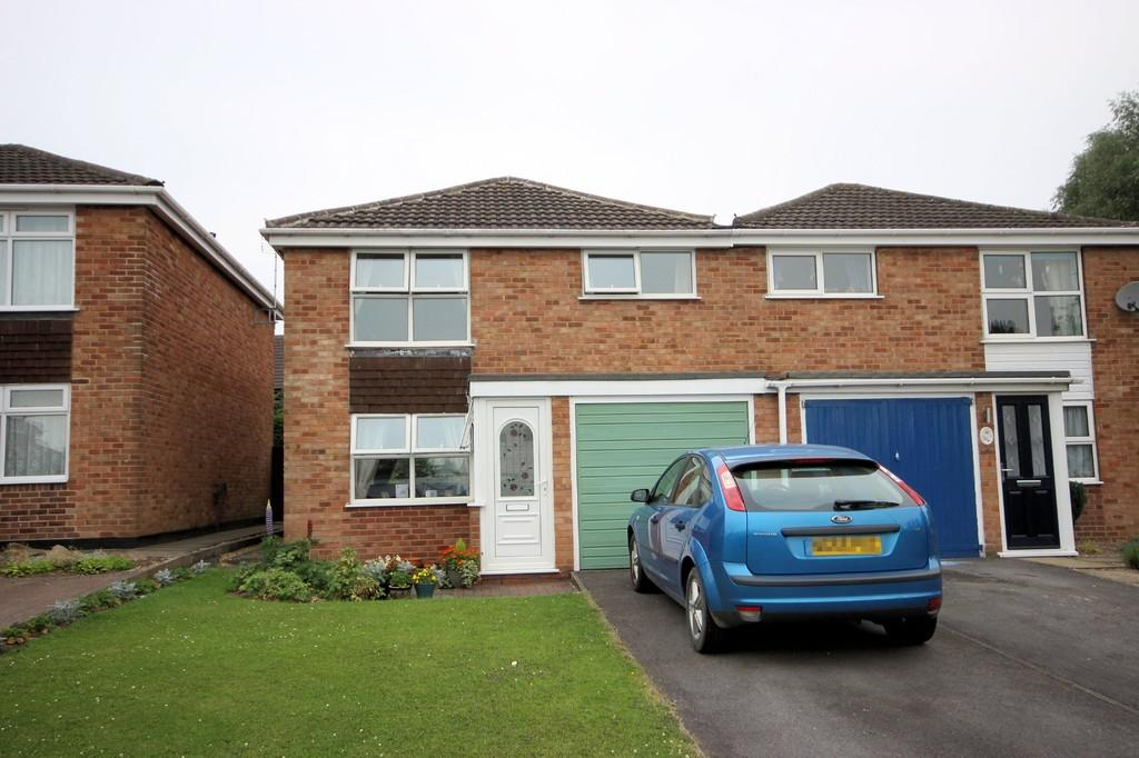 3 Bedrooms Semi Detached House for sale in Malvern Crescent, Ashby-de-la-Zouch